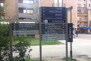 Campus sign outside of the Brussels Center.