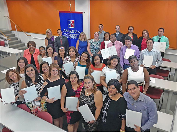 A group of teachers from the Panama Bilingue program