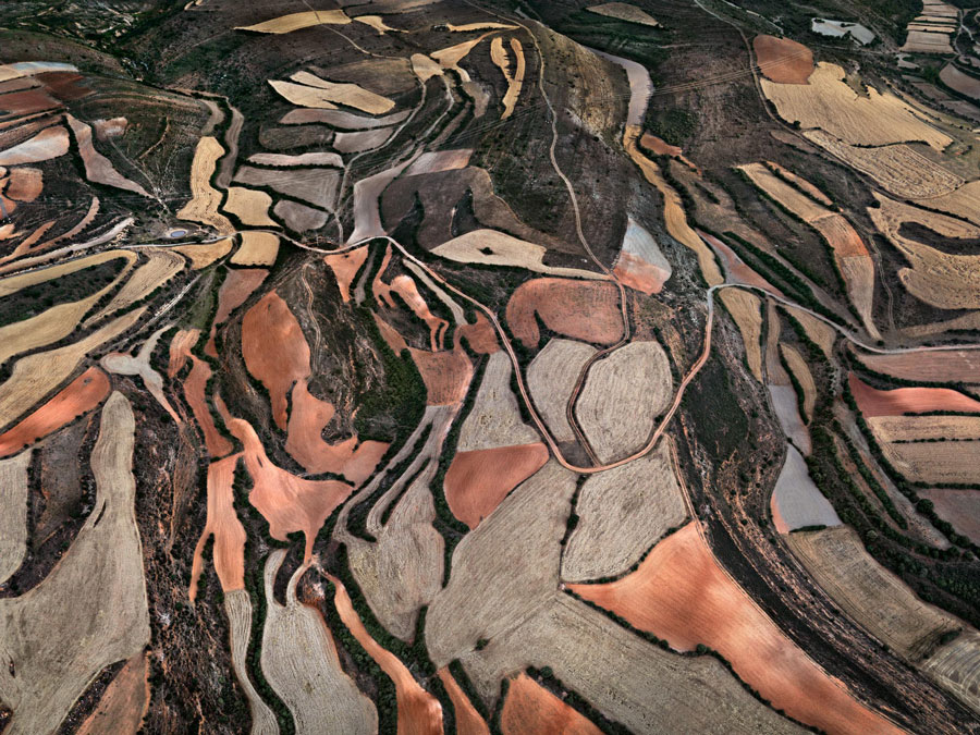 Edward Burtynsky, Dryland Farming #24, Monegros County, Aragon, Spain, 2010
