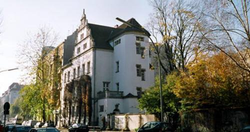 The GlogauAIR building, in Glogauerstraße.