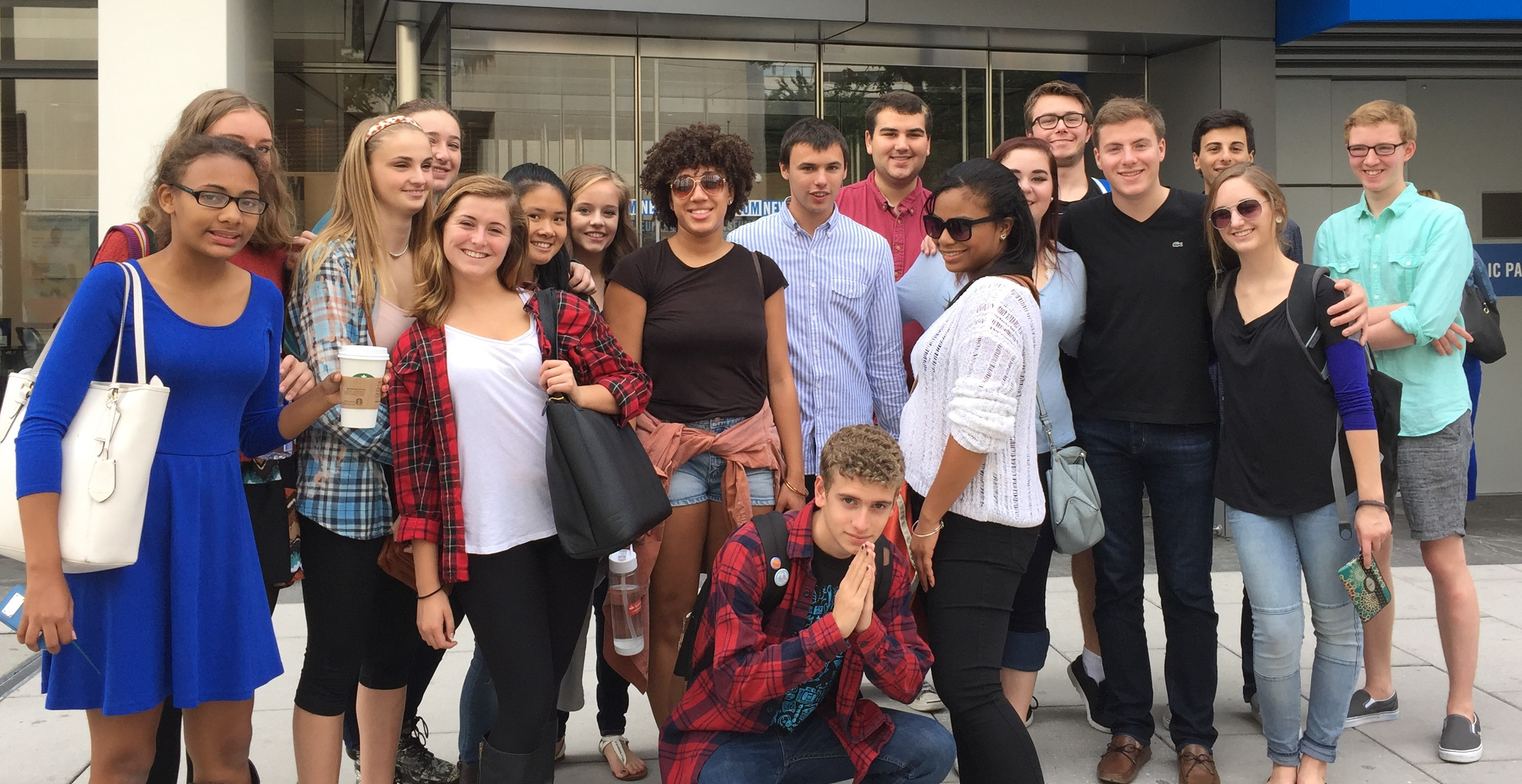 group of students in front of Newseum