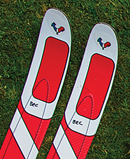 pair of skis