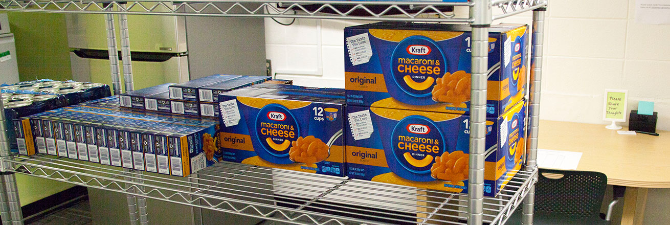 Picture of macaroni and cheese boxes.
