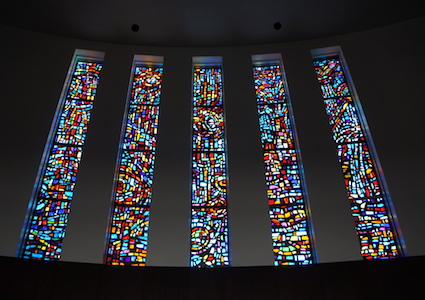 Stained glass windows in Kay