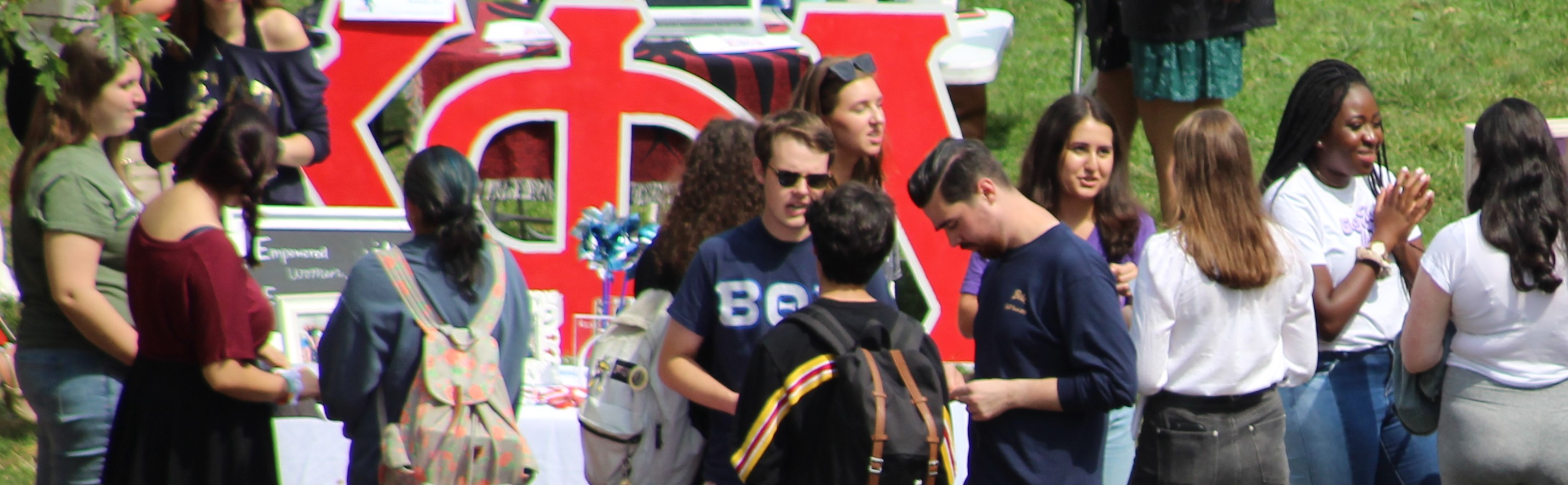 students interacting at student club involvement fair