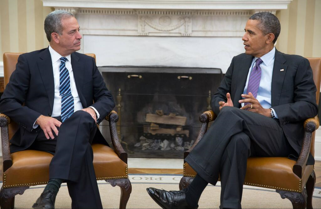 Senator Russ Feingold meeting with President Barack Obama