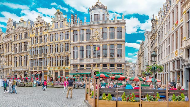 buildings and busy main square of Brussels