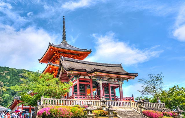 exterior of the ornate and brightly colored Buddhist temple in Kyoto, Kapan