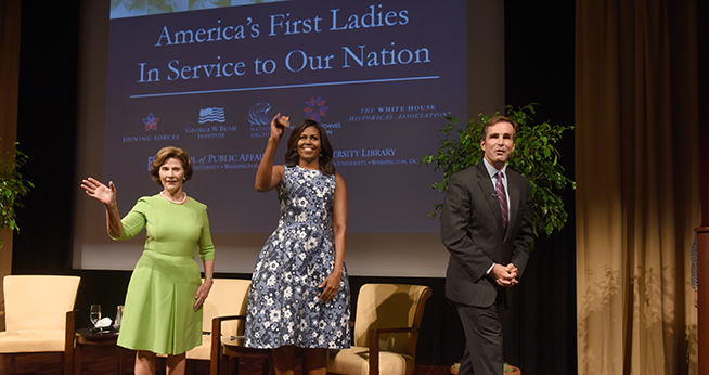 First Ladies Michelle Obama and Laura Bush