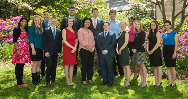 2015 University Student Award Recipients - 15 students posing together outdoors on campus