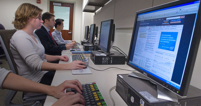 Student lab at the Kogod School of Business