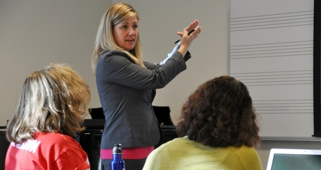 Professor Sarah Irvine-Belson (CAS-SETH) teaches an Honors colloquium at the American University in Washington, D.C.