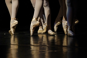 Ballerinas en pointe.