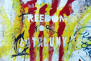 Graffiti of the Catalan flag that reads: