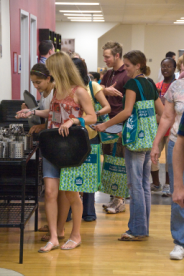 Students at Eagle Summit use green reusable bags