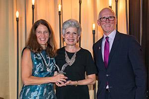 Dr. Sara Nieves Grafals receives the 2019 Alumni Eagle Award