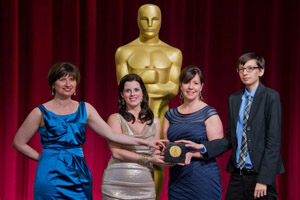 Ellen Tripler and fellow student academy award winners pose in front of the Oscar statue. (Photo: courtesy of Ellen Tripler)