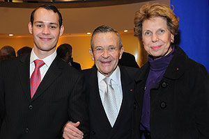 Dr. Michel Le Goc and wife Jacqueline Grapin, who serves on the Kogod Advisory Board, with their son Julien.