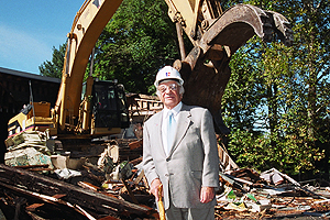 Cyrus Katzen at the groundbreaking of the Katzen Arts Center