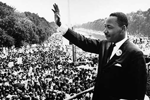 Martin Luther King in front of a large audience