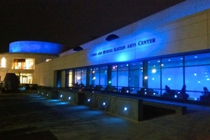 Katzen center lit up blue for Autism