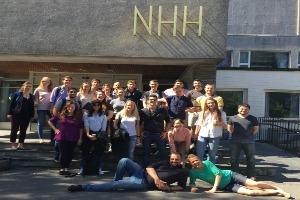 AU Students in front of NHH. Credit: Siri Terjesen