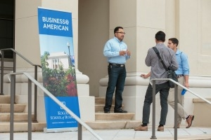 Business@American online MBA and MSaN students arrive at Kogod.