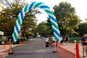 WPI_5K 2012 Balloon Finish