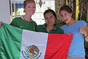 Giselle Rayner, MBA '11, and roommates in Mexico.