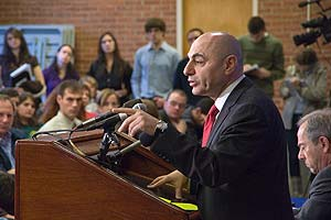 Photo: Syrian ambassador speaks at SIS