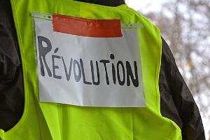 Example of the gilets jaunes, or yellow vests